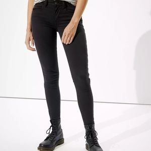 American Eagle super Stretch black skinny Pants